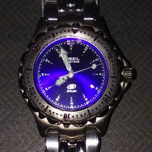 FOSSIL BLUE FACE LUMINOUS HANDS/50 METERS WATCH
